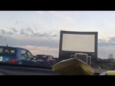 Karaoke en el Drive in Movie!!!