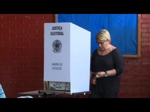 Les bureaux de vote ouvrent au brésil youtube