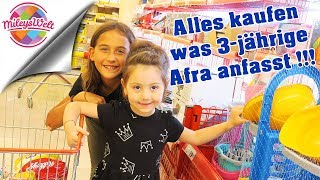 Alles KAUFEN was 3-JÄHRIGE im türkischen Supermarkt ANFASST !!! | Mileys Welt