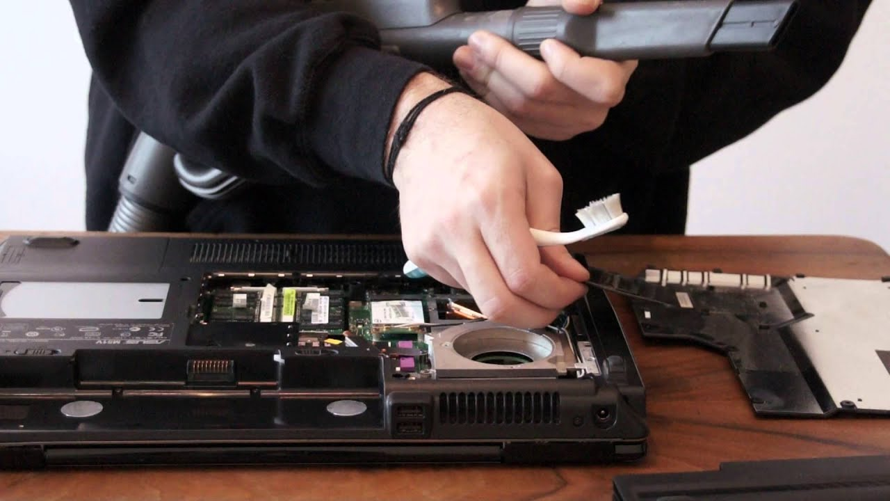 nettoyer son pc portable bombe a air