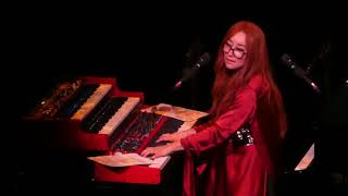 """New Age"" Tori Amos@Tower Theatre Upper Darby, PA 11/4/17"
