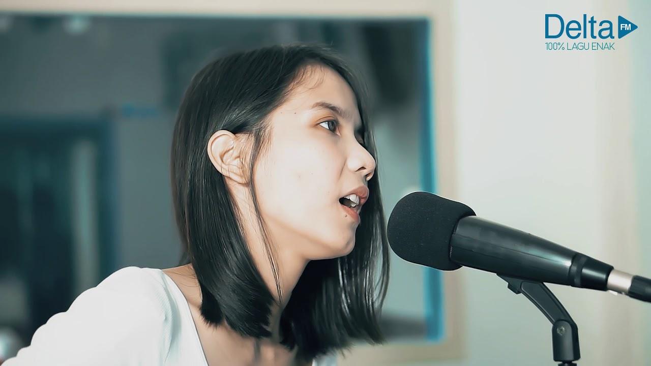 LANGIT YANG SAMA (live At Delta FM)