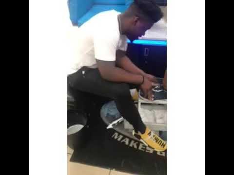 Shoe mgk Salesmen