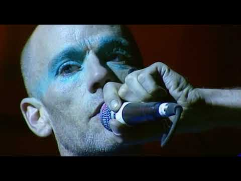 R.E.M. - It's The End Of The World As We Know It (And I Feel Fine) (Live from Glastonbury, 1999)
