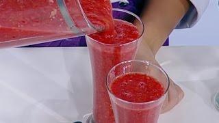 روان التميمي تحضر عصير الخوخ والكركديه بالفراولة