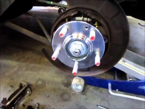 Kia Sportage wheel bearing replacement - YouTube