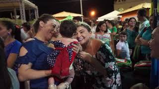 Prefeita Iris Gadelha entrega kits de material escolar e visita stands culturais