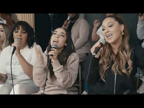 Coritos de Corazon - Israel & New Breed featuring Adrienne Houghton and Aaron Moses