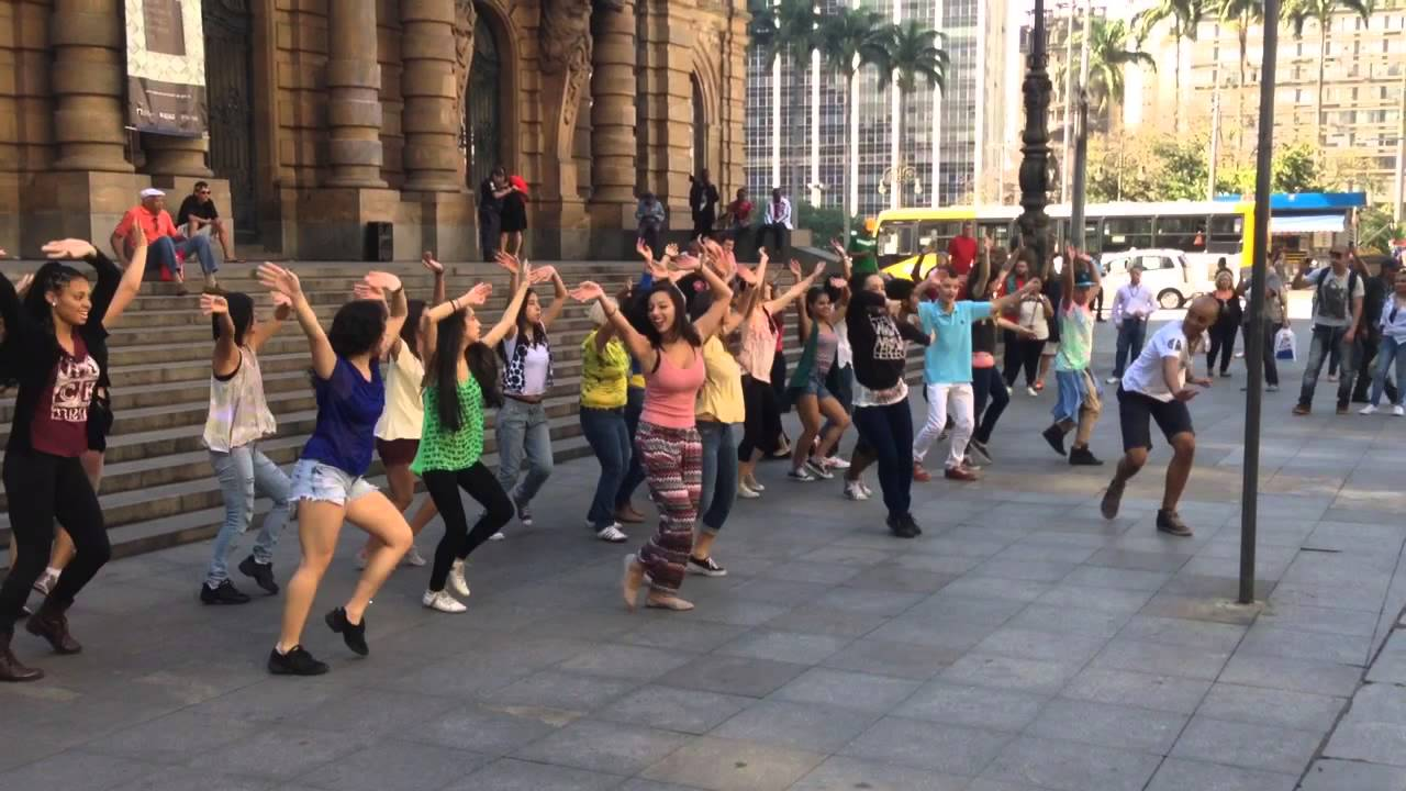 how to make a flash mob