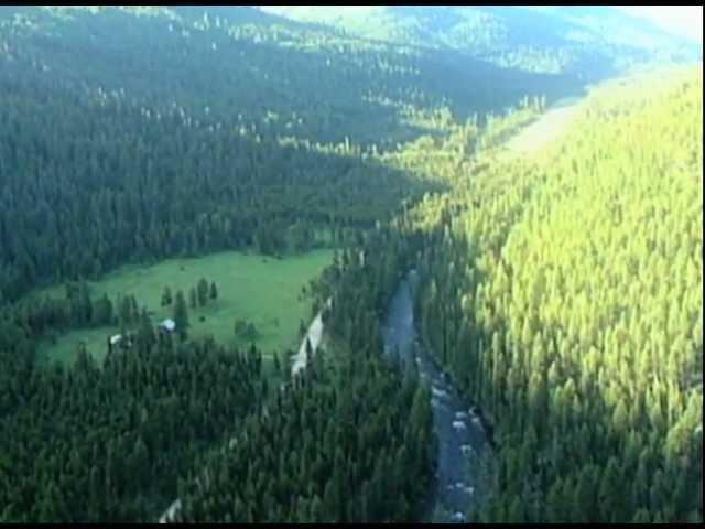 Landing at Johnson Creek Airstrip in Idaho