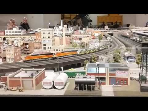 Chicago Science and Industry - HO Train Layout | Chicago and Seattle