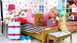 jojo-siwa-doll-travel-routine-in-american-girl-grand-hotel-playset---meet-greet