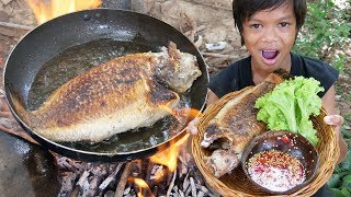 Primitive Technology - Awesome cooking fish in forest Part 02