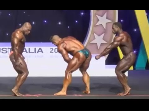 Footage of Dallas McCarver collapsing on stage...