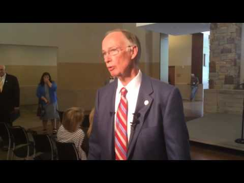Gov. Robert Bentley on Alabama scandals: 'Obviously there are problems right now'