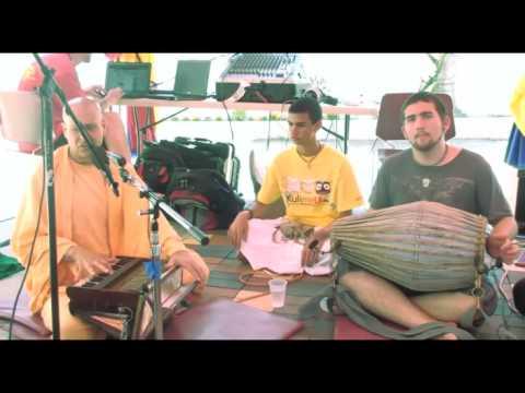 Bhajan - KulimeLA Day 1 - Radhanath Swami (4/11)