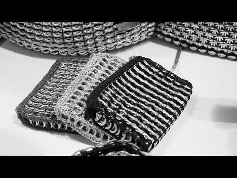 7ce43e8af Bolsos y accesorios sofisticados elaborados con material reciclable -  YouTube