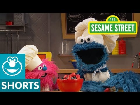 Sesame Street: Porridge (Oatmeal) | Cookie Monster's Foodie