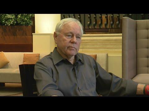 Former Arizona coach Dick Tomey torn between Arizona and Hawaii
