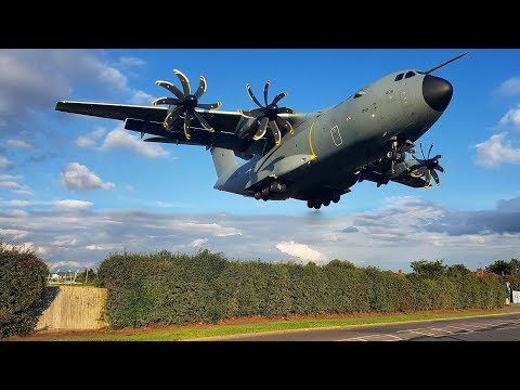 CRAZY LOW | Royal Air Force MASSIVE Airbus A400M landing at RAF Northolt | London