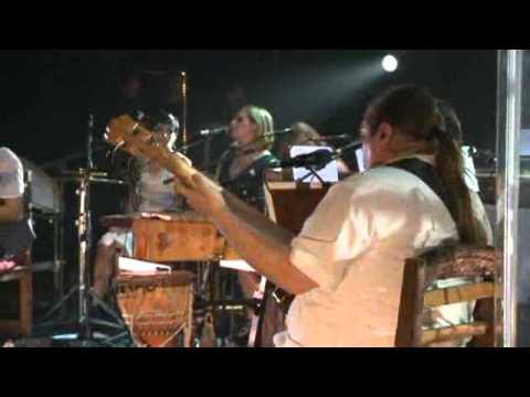 Elisa - 06 - Broken (Live@Reggio Emilia 23.05.2011)