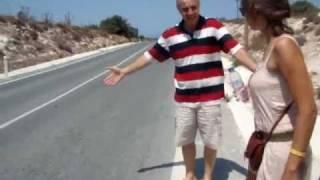 Аномальная зона на Кипре(В районе города Пафос есть вот такое место. Где машина на нейтралке катится в гору, а не с горы, а вода течёт..., 2011-04-10T11:53:07.000Z)