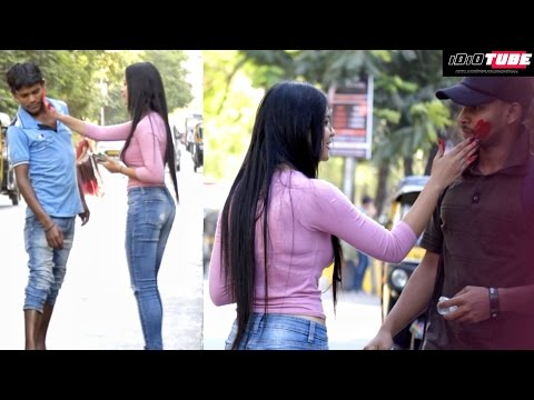 Hot Girl Playing Holi Prank - iDiOTUBE | Prank In India | Holi Special