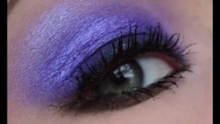 Christmas Makeup Series | Glowing Bright Purple Smokey Eyes.