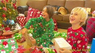 Repeat youtube video Christmas Morning 2016 - Gabe and Garrett Opening Presents!