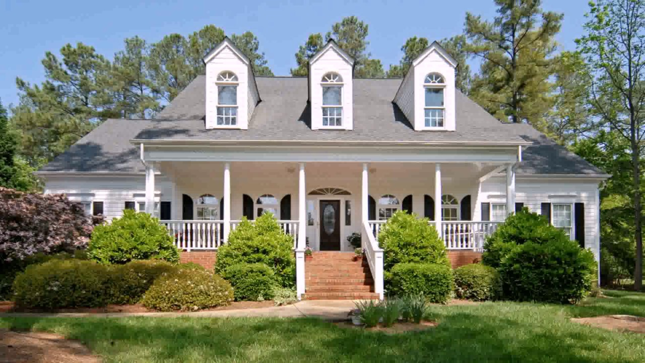 colonial style house landscaping