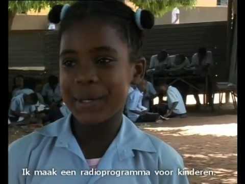 Raissa (12) uit Mozambique maakt radio voor kinderen