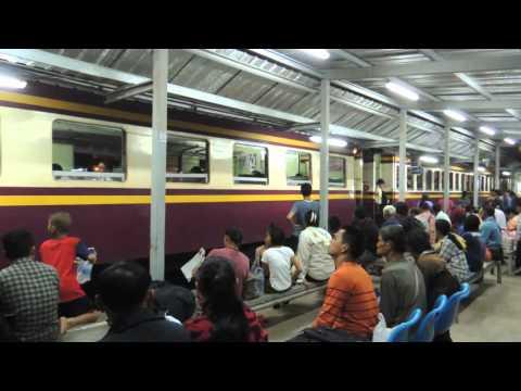 สถานีรถไฟรังสิต Rangsit Railway Station