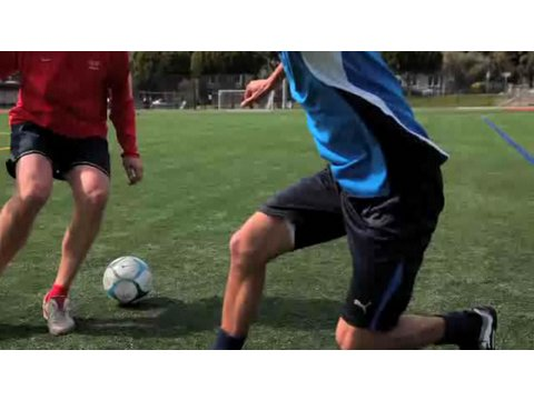 How to Do the Cruyff Turn | Soccer Lessons