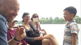 Gia đình NGƯỜI ANH - Khâm phục khả năng tự học tiếng Anh của Bé Quang Bình