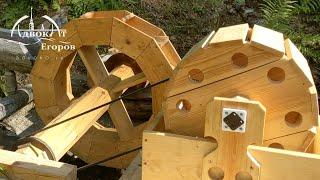 Constructing a Bushcraft Waterwheel / Harnessing Hydropower Energy for My Log Cabin Camp
