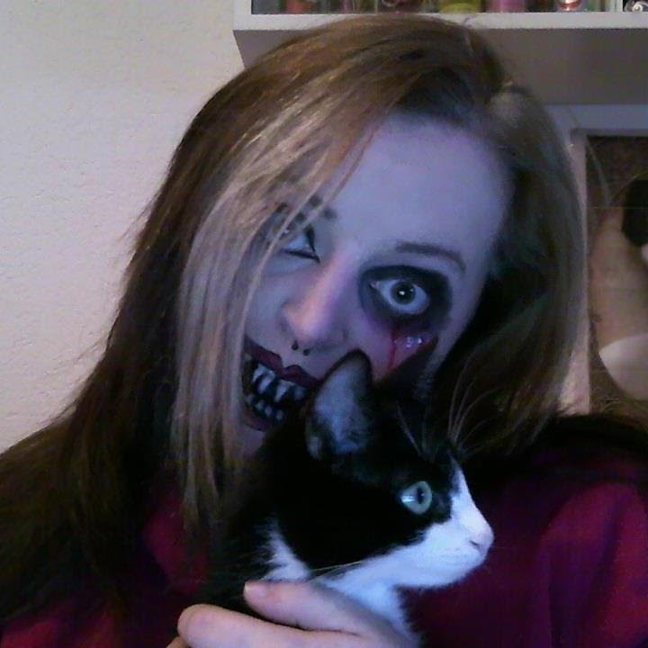 Make Up, Goth enough? How to look really gothic... Halloween ...