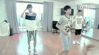 [TFBOYS]TF Boys-Chong Ai[Adore]Dance Practice
