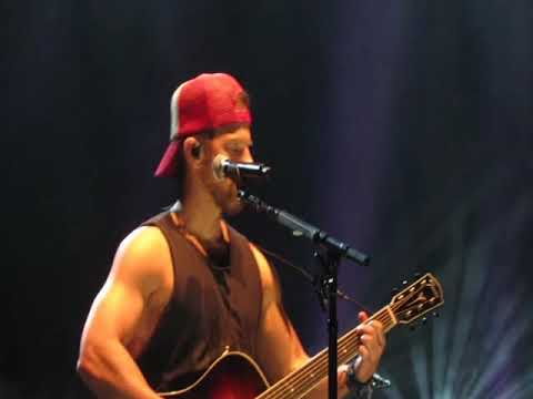 "Kip Moore ""The Guitar Man"" Pittsburgh Stage AE"