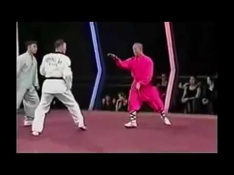 Шаолиньский монах против