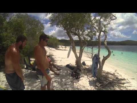 """Fraser Island """"The story of a drunk Dog"""""""