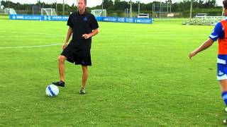 Receiving Passing with Vision and Movement - Receiving Series by IMG Academy Soccer Program (3 of 3)