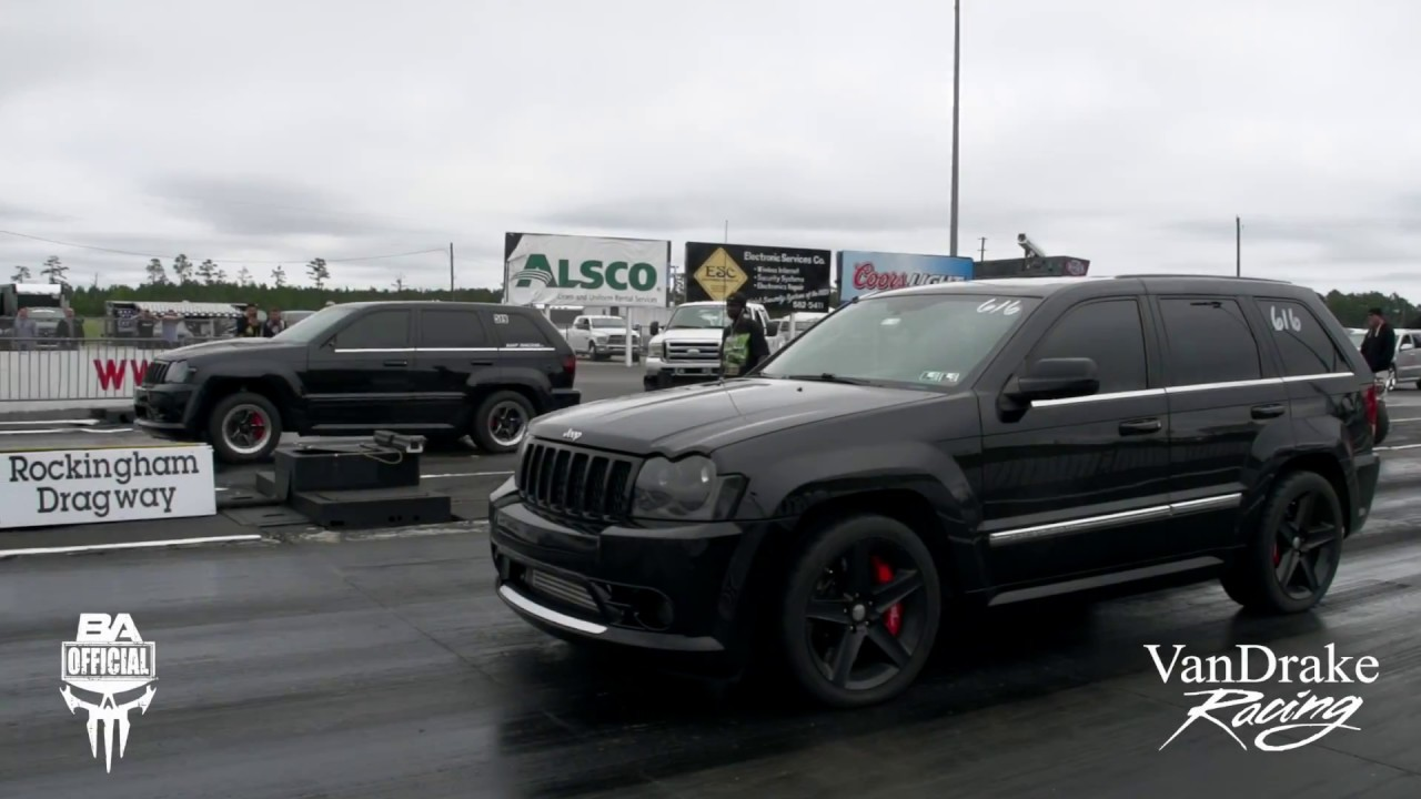 Lifted Jeep Srt8 >> Srt8 Jeep Vs Srt8 Jeep Got Lift Youtube