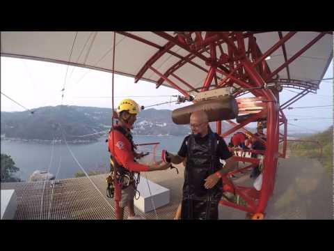 Rudy Rodolfo Fregoso Vuelo en Tirolesa Xtasea Acapulco  Zip Line TourByVan Tour By Van