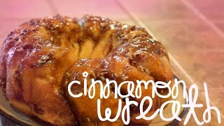 Our Traditional Christmas Breakfast - Sticky Bun Wreath! (EASY)