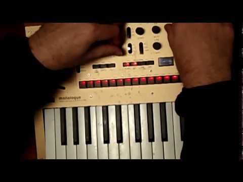 Korg Monologue tech house jam - from INIT patch