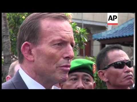 Australian PM Abbott visits Bali bombing memorial site