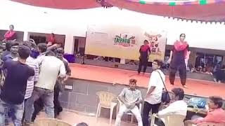 La La Kadai Santhi Marana Mass Song Dance