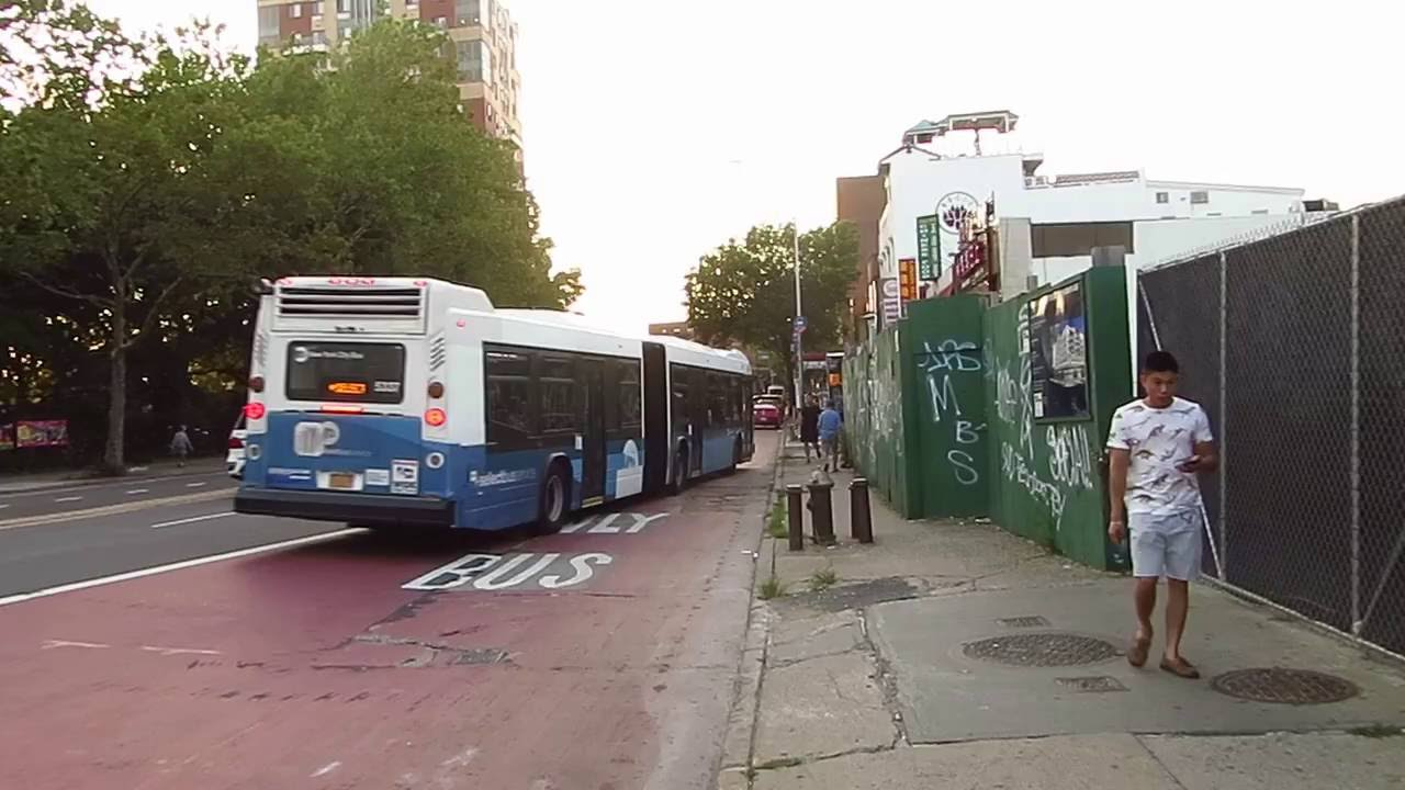 nyc bus: bronx zoo bound lfs artic 5337 q44 sbs at main st/elder av