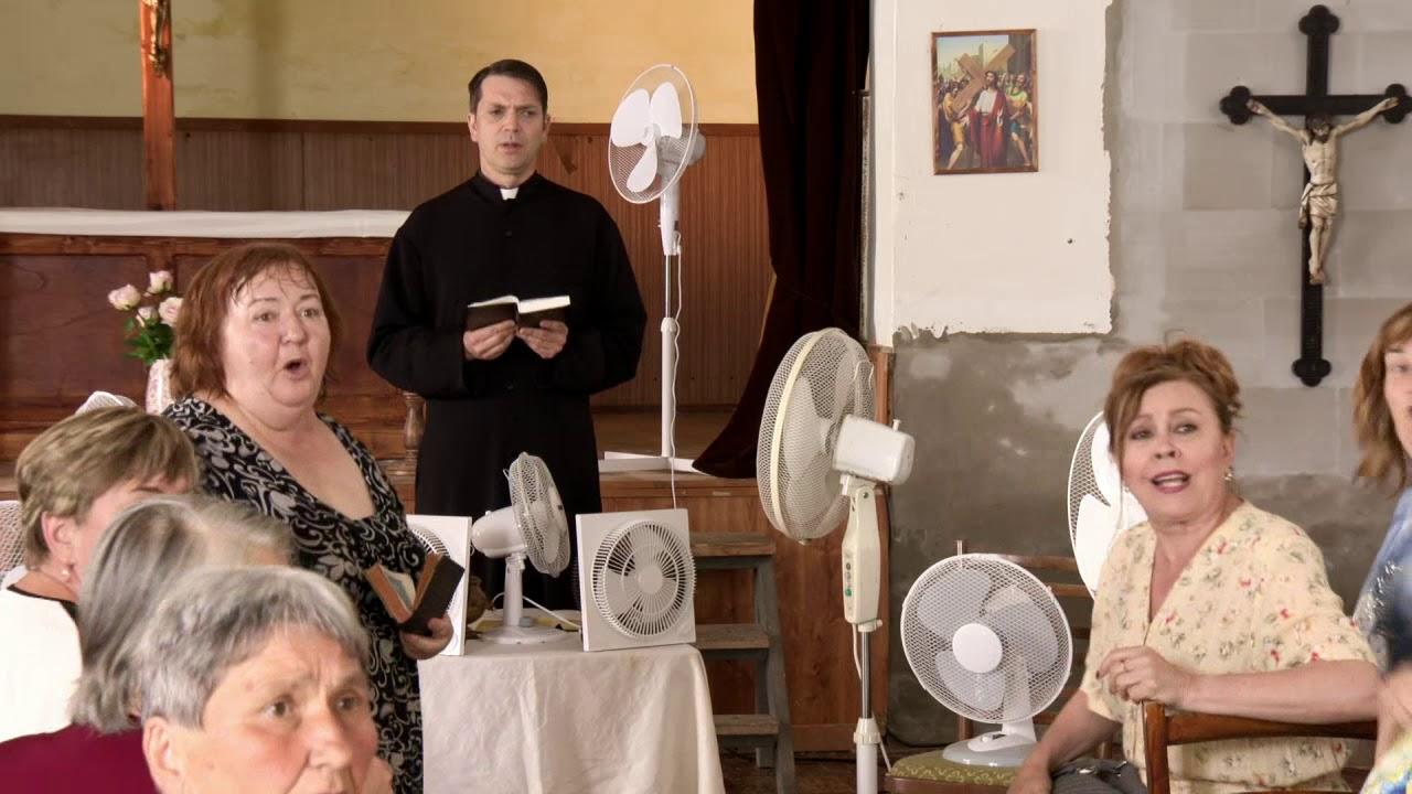 HORNÁ DOLNÁ  Ženičky v Hornej Dolnej sa potia aj pri modlení - YouTube 9194e4ff420
