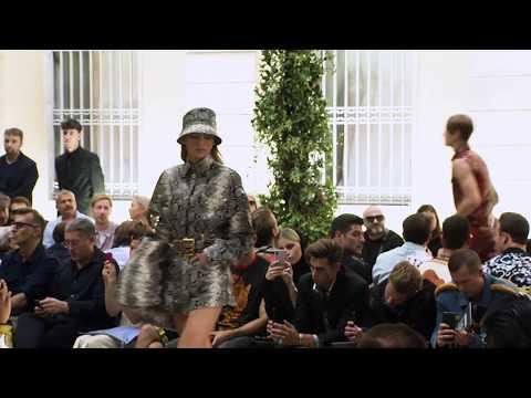 Versace Spring Summer 2019 Men's Fashion Show